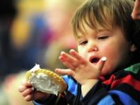 شیرینی و شکلات خوردن کودکان چه ضررهایی دارد ؟