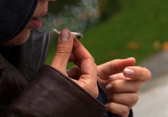 مصرف مواد مخدر در نوجوانان